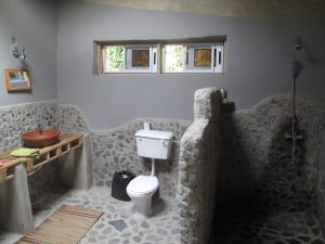 Cocoa Village Family atta kwame house - bathroom